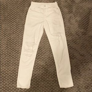aeo ripped white mom jeans, size 2 x-long